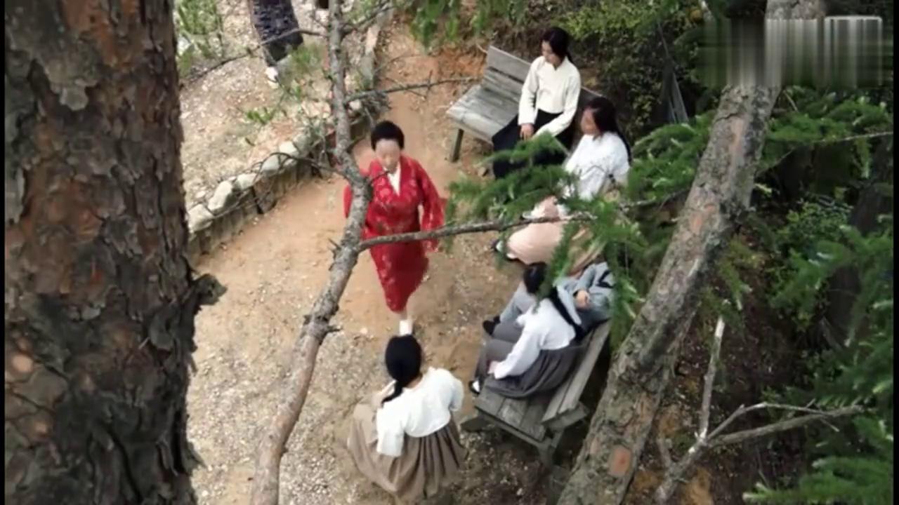 日本慰安妇是老大,女子们都不敢惹她