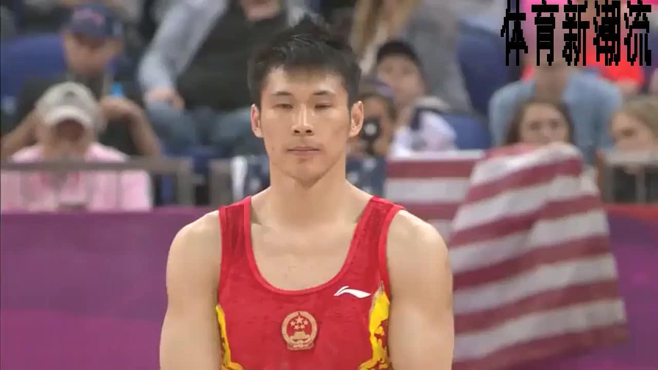回顾伦敦奥运会,体操男团张成龙动作连贯,干净利落相当完美。