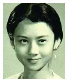 """有种""""绝味""""叫年轻时的杨丽萍,美得像迷惑人间的妖孽"""
