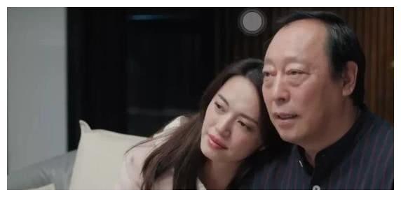 剧中是姐弟现实是夫妻,高鑫相爱21年无绯闻,凭借《都挺好》翻红