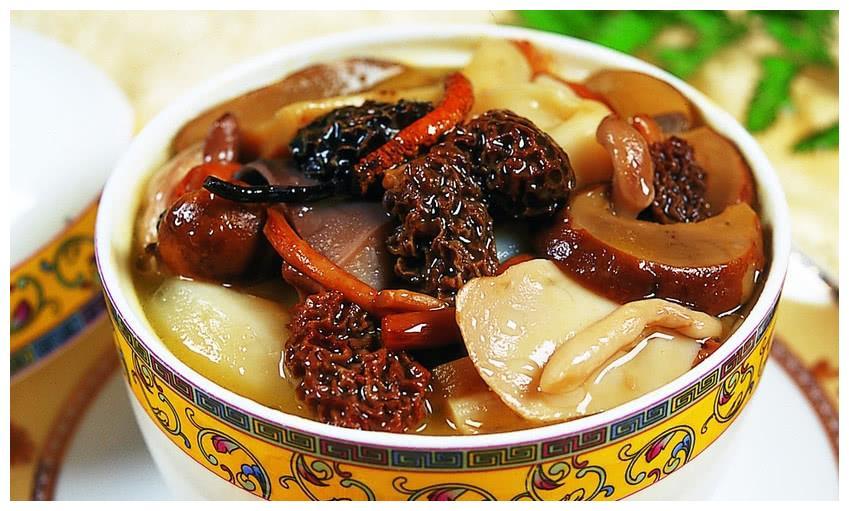 第一次吃到中国佛跳墙,韩国明星完全疯狂,举着汤罐连汁儿都喝完