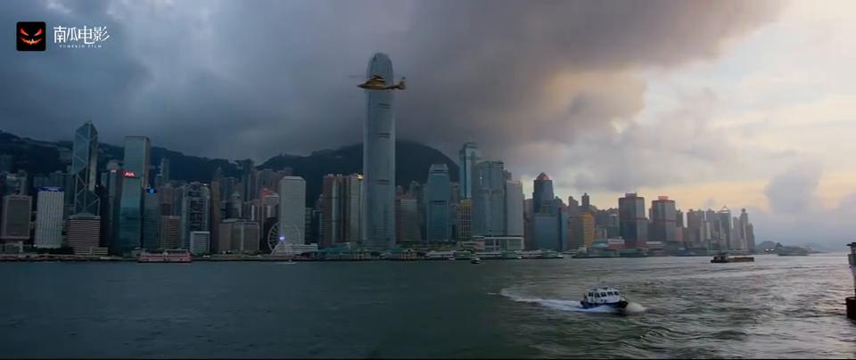 港片:悍匪在香港隧道放炸弹威胁警察,黑心商人一夜赚了两百多亿