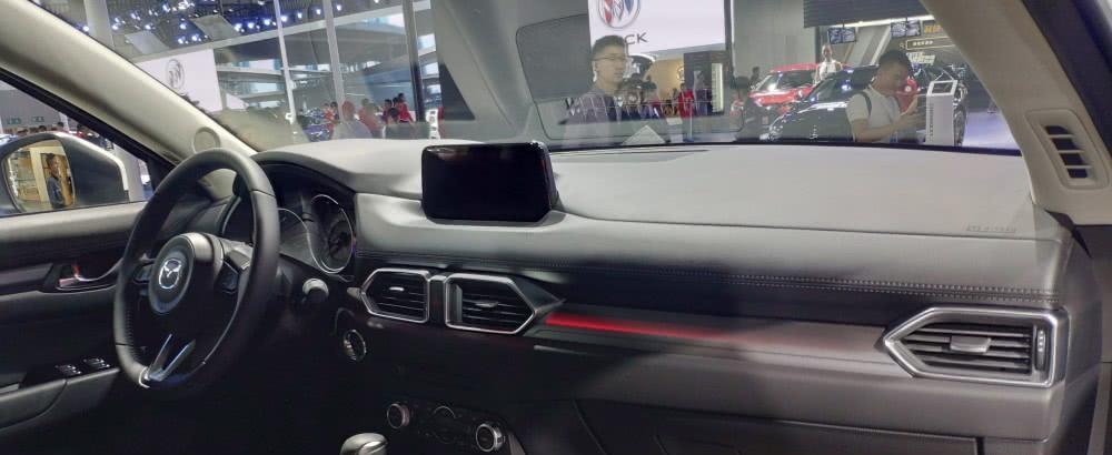 """2020款""""马自达CX5""""首现成都车展,魅蓝色光源太有质感!"""