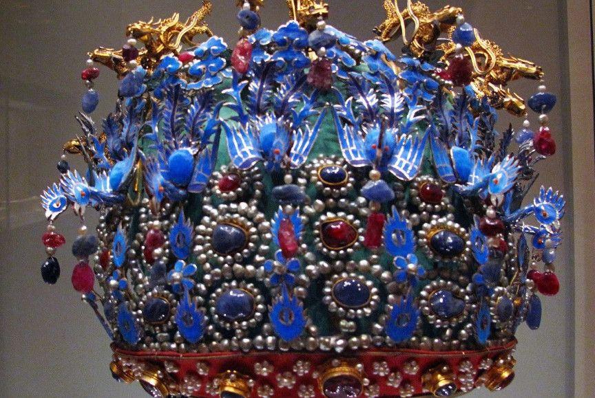 万历皇帝陵墓出土的文物,原来真实的皇冠和凤冠长这样