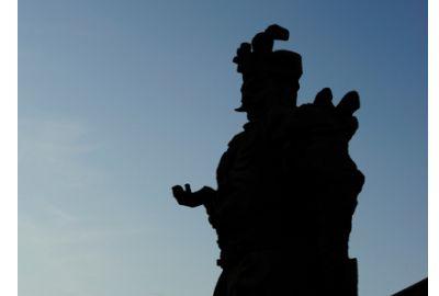 元大都遗址公园:从西到东展示了元大都至今北京700多年的发展