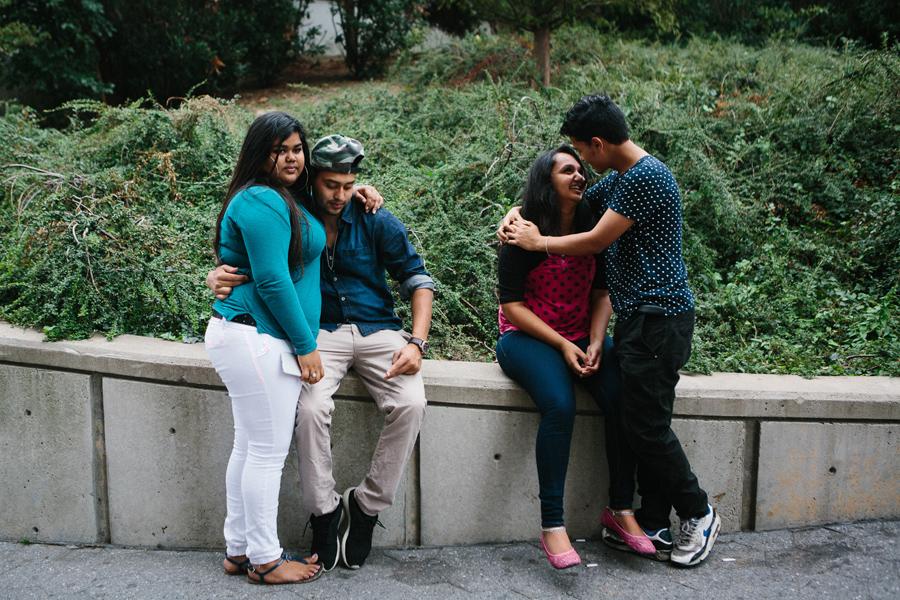 一组美国中学生放学后的真实生活照