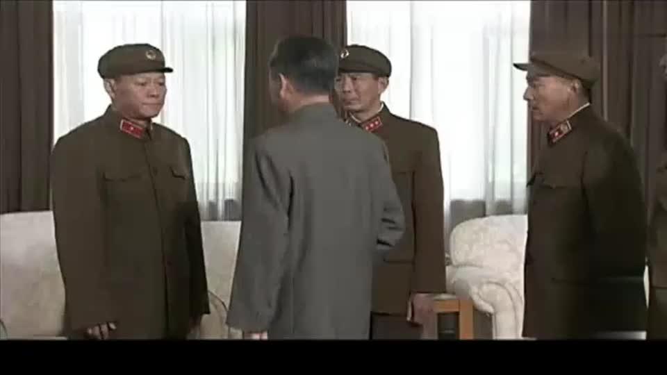 60年代初周总理特批一列军粮给导弹基地,结果半路被当地饥民抢
