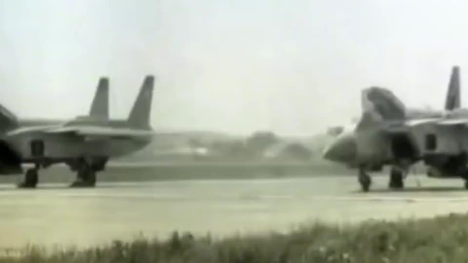 珍贵影像前苏联生产的Yak141垂直战斗机试验阶段