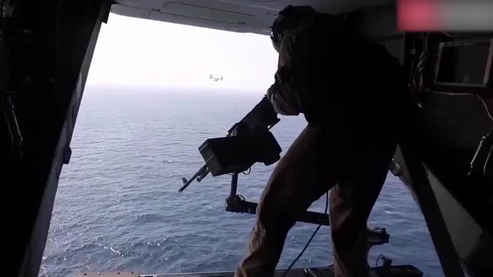 只要枪不坏子弹就不停这就是美军射击