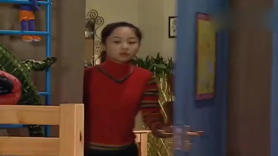 家有儿女:刘星下手给婴儿换尿不湿,太好笑了