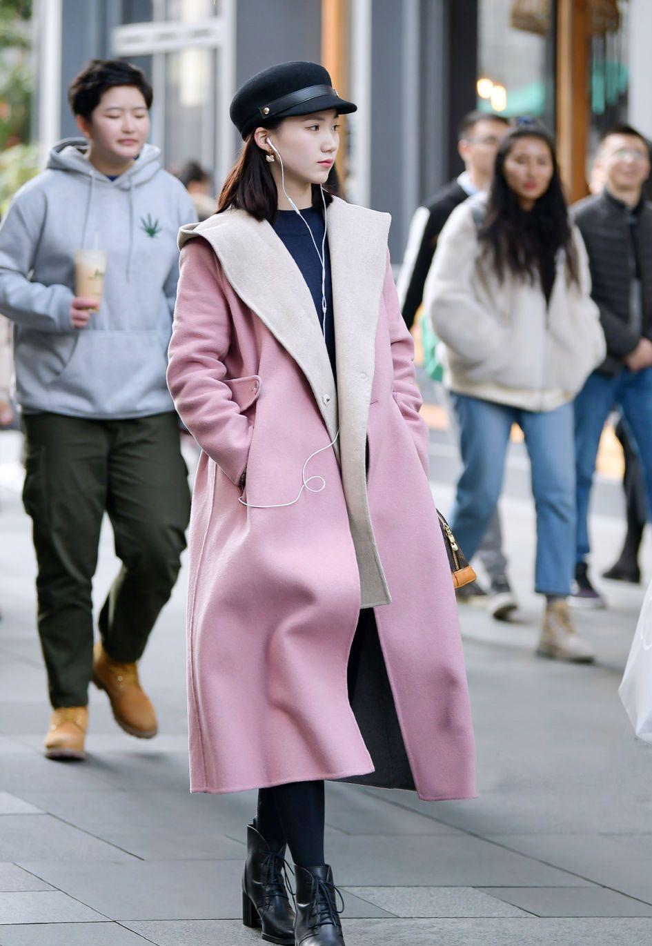 大衣很贴心,让你摆脱厚重感,秀出时尚大方的美
