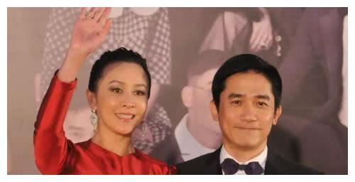 冯远征发文祝贺25年银婚,梁丹妮转发送祝贺,结婚25年无子嗣