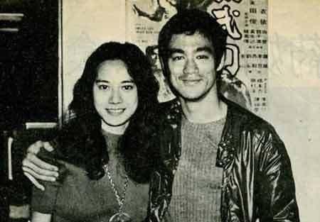 一组李小龙老照片,外籍妻子很貌美,最后那张是他的遗容!