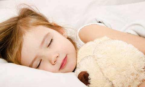 三伏天孩子在什么时候睡觉,身高和智力都高!家长看看