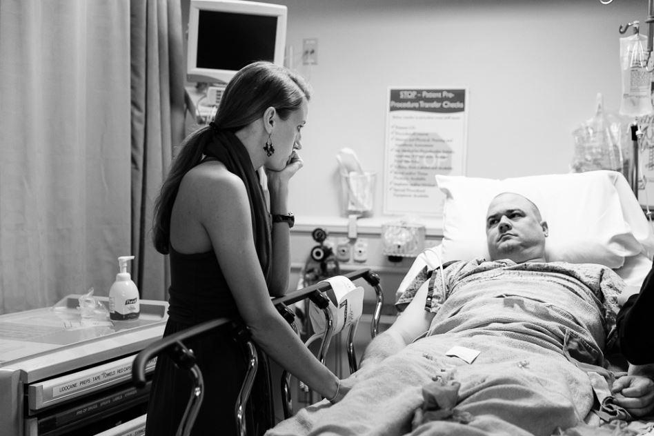 妻子才刚怀孕,他就被诊断出脑癌,苦苦撑到女儿出生才闭眼离去