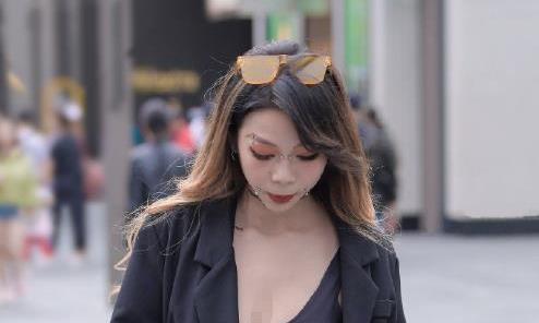 新潮小姐姐美若天仙,成为旧时光里的女神,好像恋爱了!