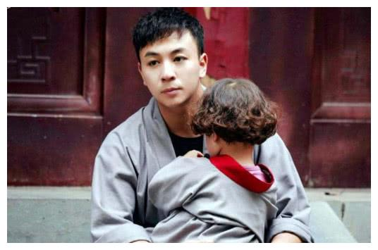 释小龙代言其父武校6岁女童死亡:棍棒出高徒式的武学教育可休矣