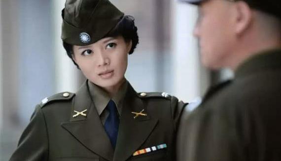 她是军人专业户,花21年捧红丈夫,却被美艳港星3个月抢走!