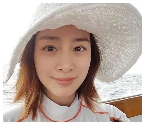 韩国女星全智贤,韩国女星林允儿,却都输给了图四中国的她