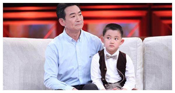 寇振海儿子,成为关晓彤旗下艺人,爸爸表示:要好好学习文化课