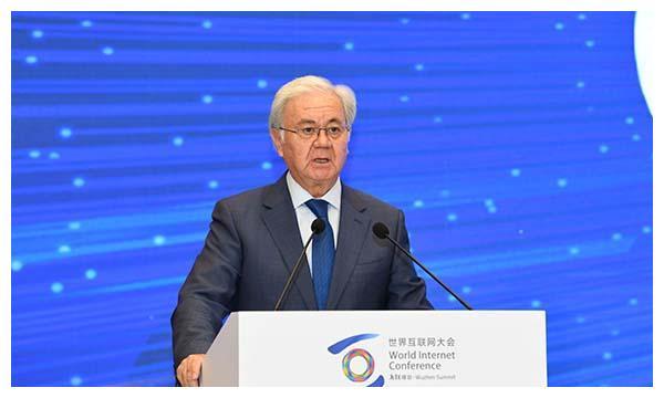 上合组织前秘书长阿利莫夫出席中外部长高峰论坛