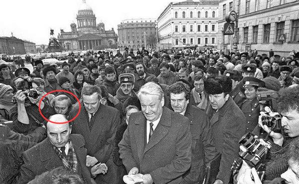 从替人拎包到世界最有影响力人物:珍贵照片再现普京的跟班生涯