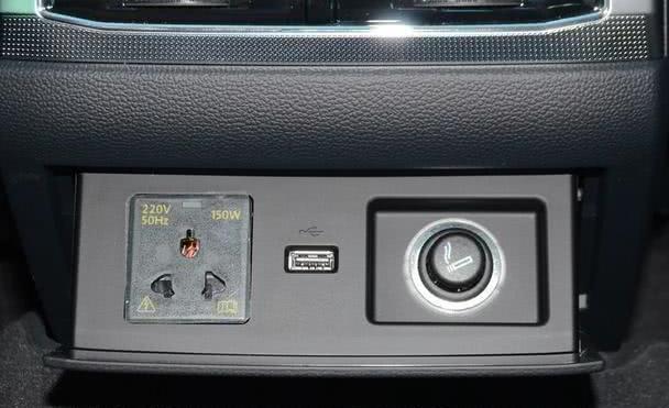 档次媲美奥迪A6L,搭V6油耗7L,比5系少15万却没人看