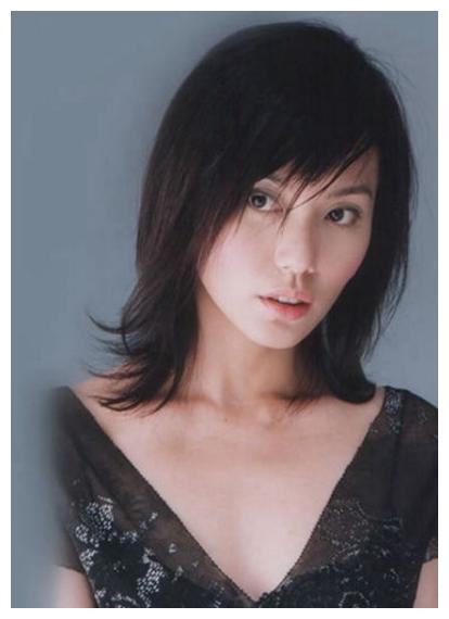 新加坡第一美女,当红之际嫁大9岁澳洲富商,现46岁容貌不减