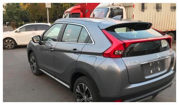 15万自动挡合资SUV,最好的都在这,第2款,油耗比卡罗拉低