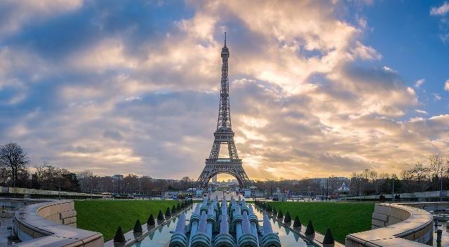 埃菲尔铁塔可以说是巴黎的象征了
