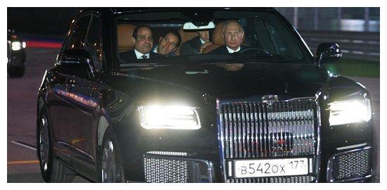 俄罗斯总统爱车值多少钱,耗费6年时间打造,普京爱不释手亲自开