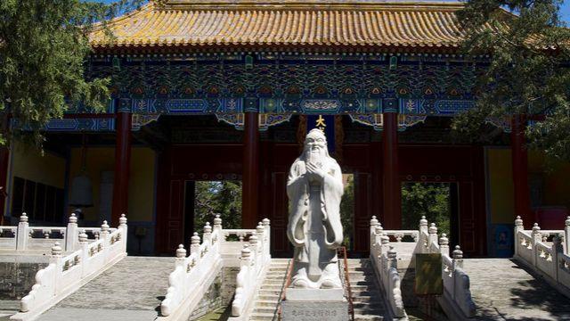 曲阜孔子六艺城突出文化教育,具有知识性与趣味性,适合亲子游玩