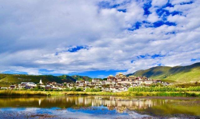 中国改名最成功的城市之香格里拉:改前无人知,改名后闻名世界