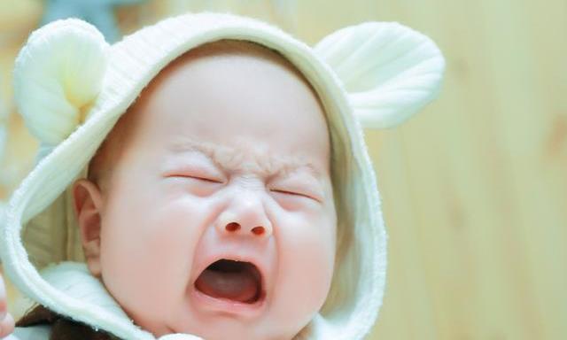 宝宝老爱哭闹?宝妈试试这几招,下一秒宝宝就安静下来了!