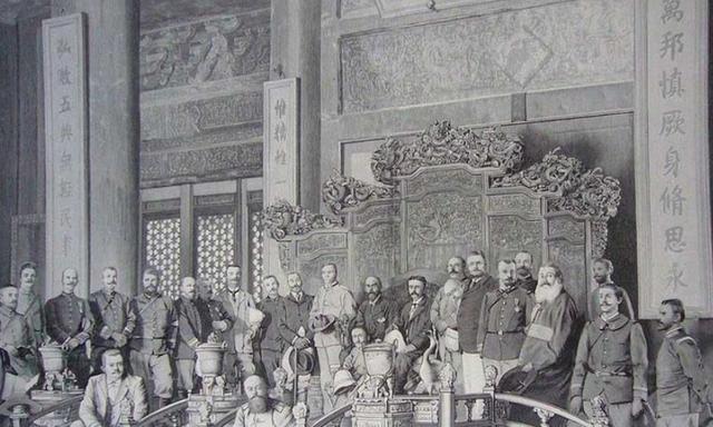 八国联军攻入紫禁城,王宫大臣死伤无数,为何后宫嫔妃安然无恙?