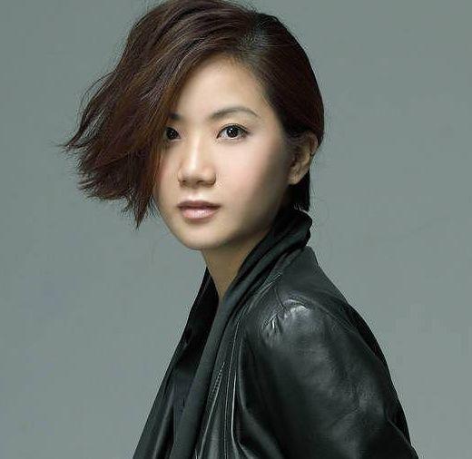 32岁香港歌手卢凯彤坠亡,正调查其堕楼原因