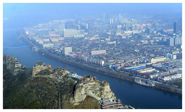 陕西面积实力第一县级市,人口不到五十万,GDP却高达近千亿