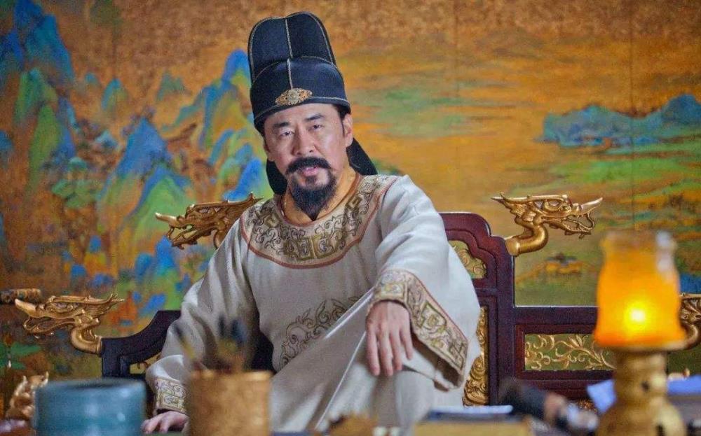 在宋太祖迫切需要文臣压制武将的情况下,宋太祖时期科举制的变化