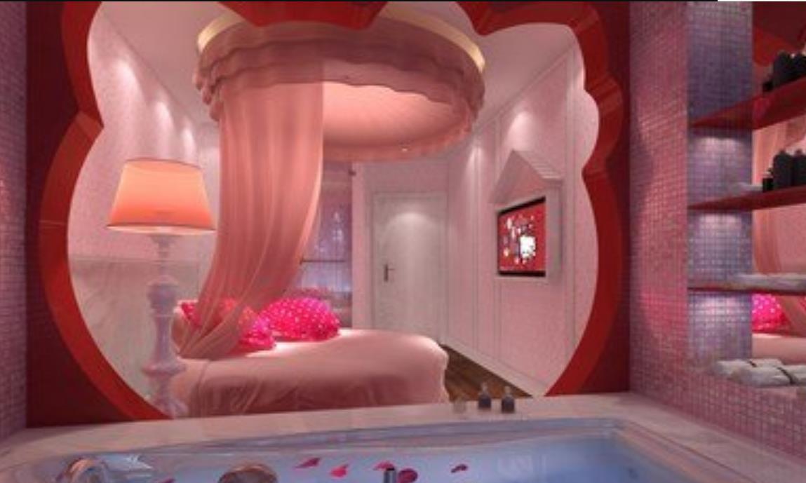 """情侣酒店床尾摆放的""""春凳"""",到底有啥用处?前台美女说出答案"""