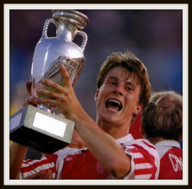 27年前今天欧洲杯决赛上演丹麦童话 最后参赛者2比0力挫德国夺冠