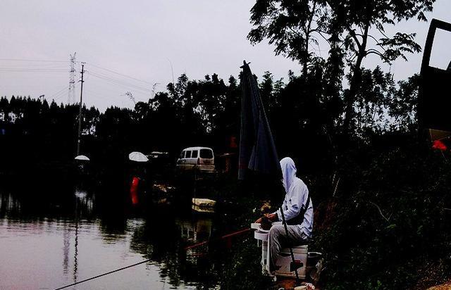 秋季钓鱼策略分享 喜欢钓鱼的钓友看过来