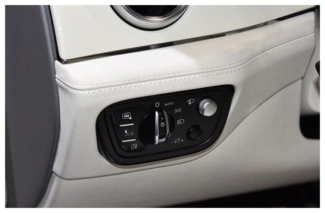 宾利发力了,最亲民SUV上市,配3.0T+四驱,比保时捷漂亮