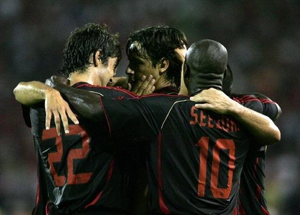 足球老照片 2006年8月22日欧冠资格赛AC米兰客场2比1红星 因扎吉