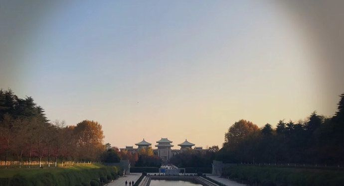 雨花台位于南京中华门南,是南京的红色旅游景点
