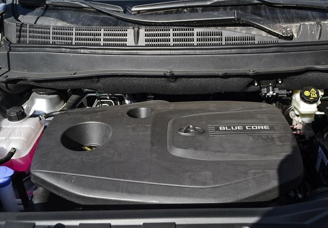 长安欧尚A800新增车型上市 配备国六发动机 起售价6.39万元