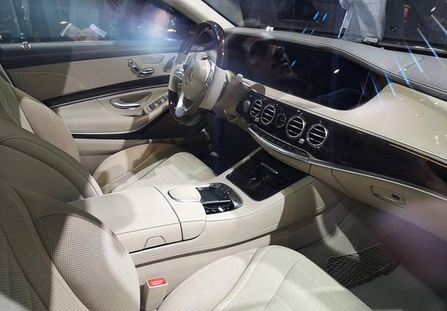 奔驰S 560 eL搭3.0T插混系统 百公里2.1L油/纯电续航50km