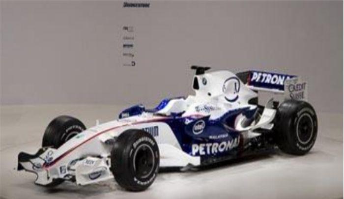 宝马车队:轮廓俊朗,赛车的单壳体十分安全,实力强劲