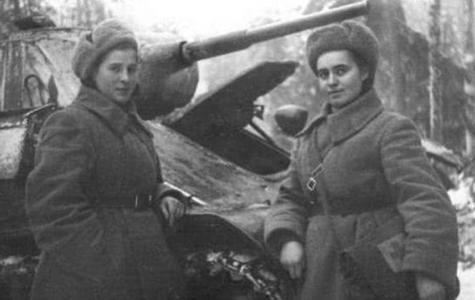 勇敢!40岁女子卖光家产买坦克,开赴战场只为丈夫报仇!