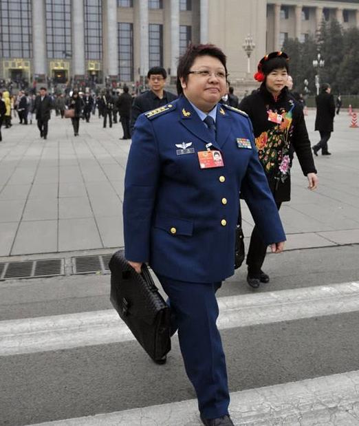 """娱乐圈有""""军衔""""的5位明星,潘长江上榜,最后一位还是团长!"""