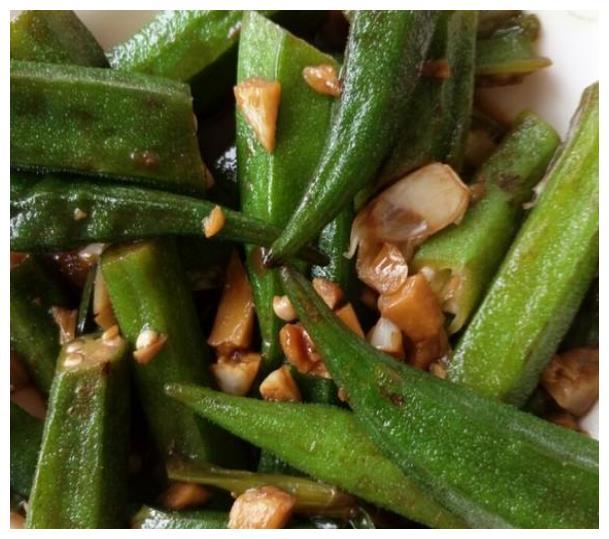 美食推荐:葱姜炒螃蟹、香脆炒黄瓜、香菇炒青菜、蚝油秋葵的做法